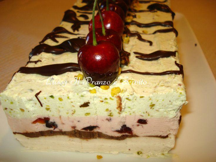 Torta gelato alle ciliegie