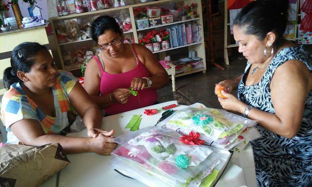 Grupo de mulheres arco iris da justica / Marabá - pará : CURSO DE BORDADO EM FITAS