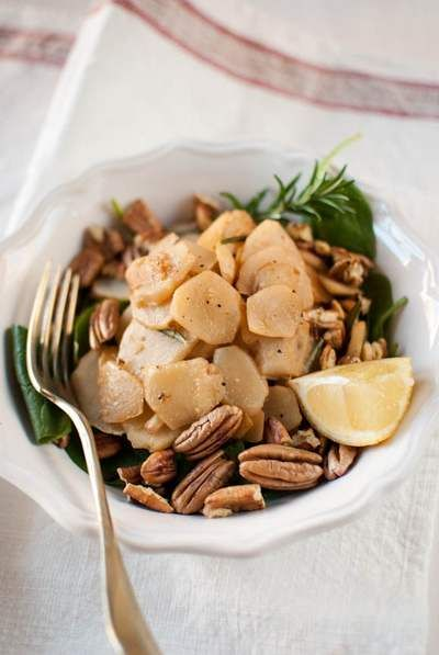 Topinambur, ecco dieci ricette di stagione molto gustose e semplici da preparare a base di topinambur.