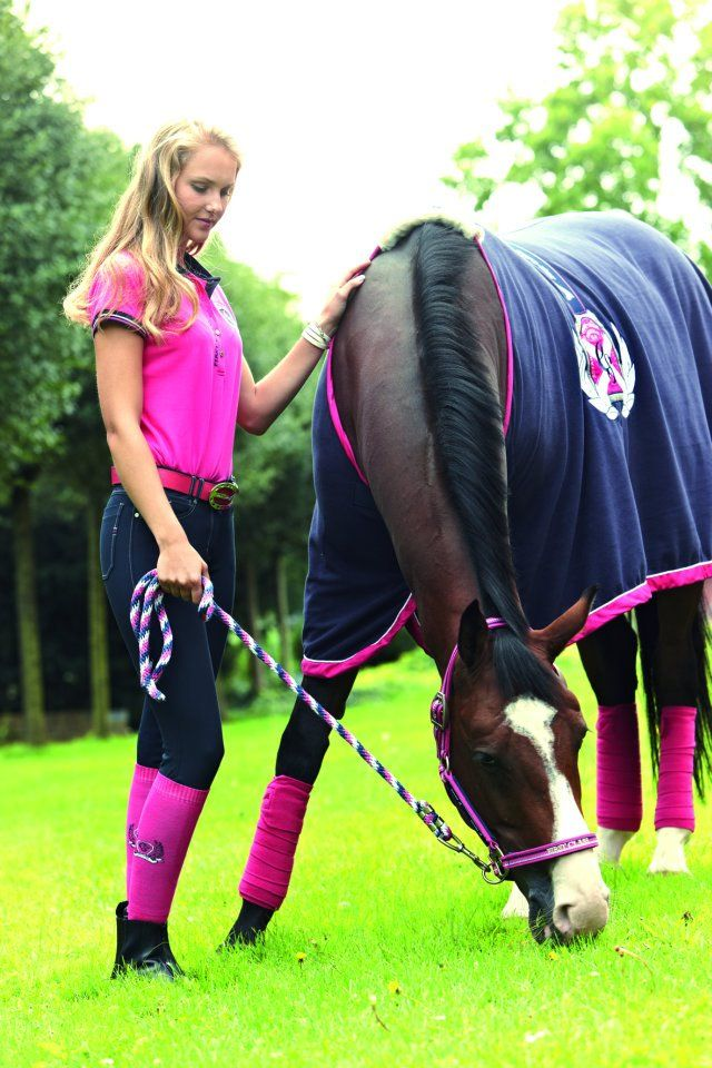 Pink and navy for Euro-Star !!!