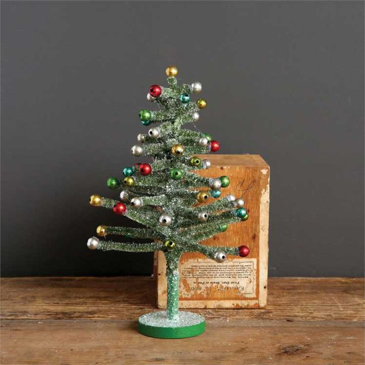 Have fun this Christmas decorating with this old school tabletop retro Christmas…