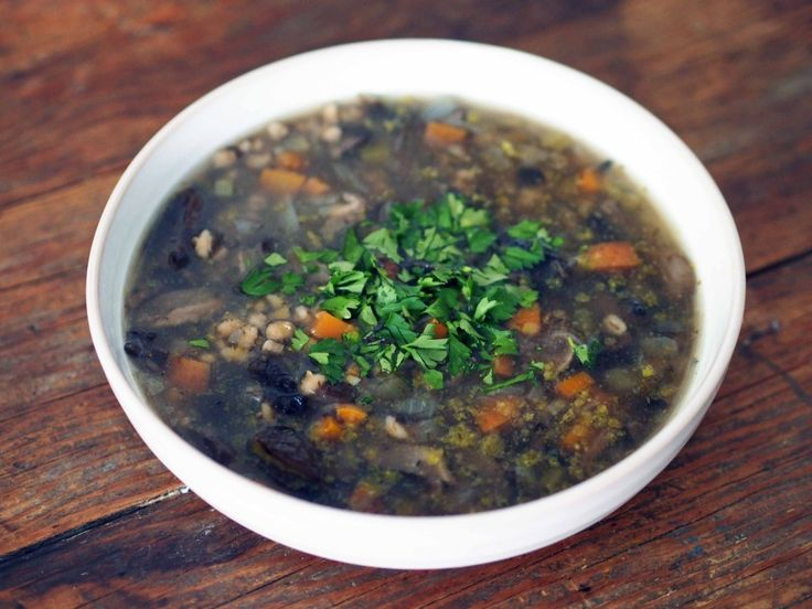 Mushroom Barley Soup. Vegan version.  Sounds healthy and delicious!
