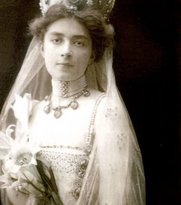At the age of 15, she was engaged to a distant cousin, Prince Georges-Valentine Bibesco, and they married in 1902.  Unfortunately, Marthe and Georges did not have a happy marriage.  Georges did not hide his affairs, and Marthe refused to divorce him.  They had one daughter.