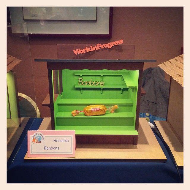 Il mio chiosco di Bonbons oggi e domani lo trovate esposto a Miniaturitalia insieme a tutti i suoi fratellini creati dalle iscritte al  forum \
