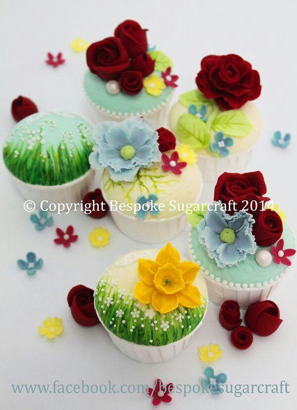 Garden theme cupcakes.