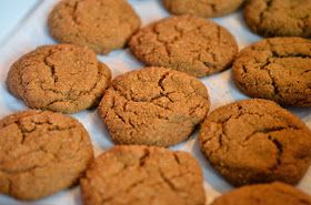 The Linden Life: Christmas Cookies - Ginger Snaps