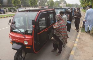 Local rickshaw manufacturing company introduces air-conditioned model in Lahore | Pakistan Today