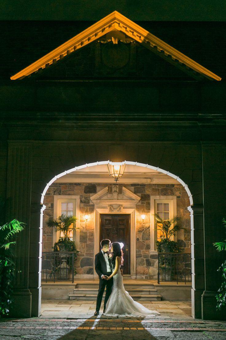 Venue: Graydon Hall Manor Photography: Rhythm Photography - rhythm-photography.com   Read More on SMP: http://www.stylemepretty.com/canada-weddings/2016/08/10/a-luxury-wedding-youll-hardly-believe-is-real/