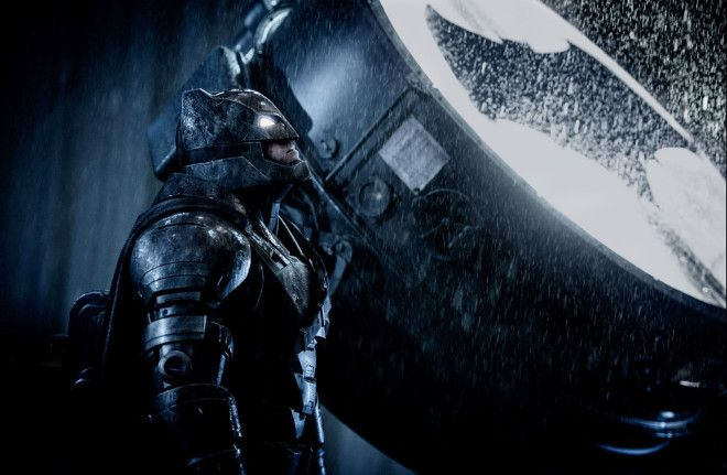 Cape Watch: Apparently Ben Can Barely Walk in His Batman v Superman Suit