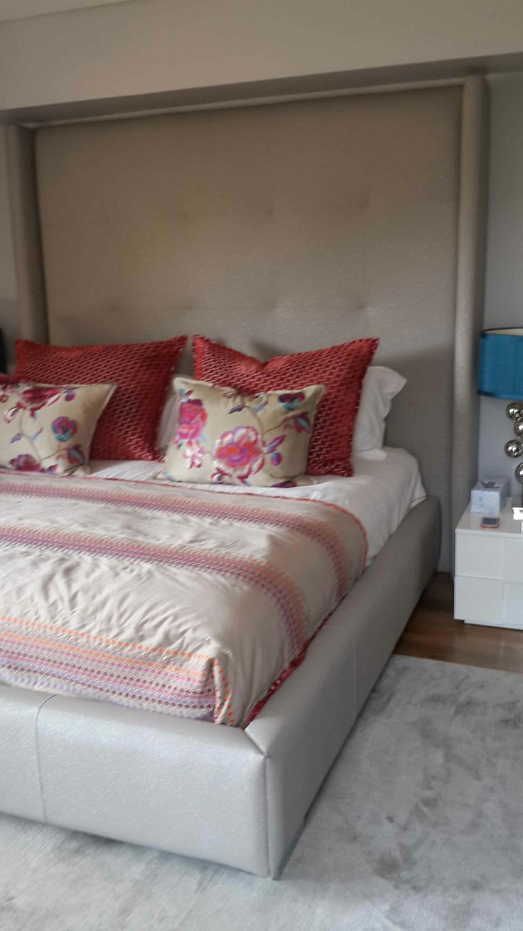 Bed and bed base, customed with love....