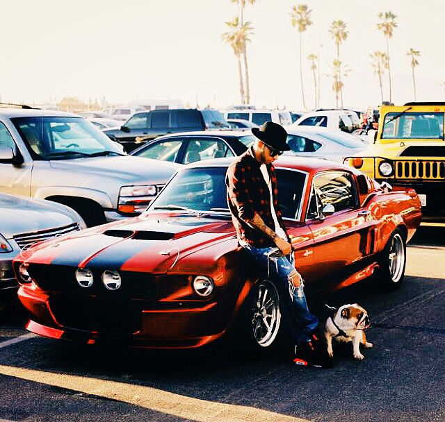 • Lewis Hamilton's Ford Mustang Shelby GT500 • Putt a gold filter on that because what a gorgious monster car!! •