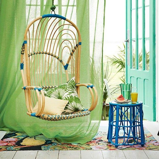 Retro grün und blau Wohnzimmer mit …