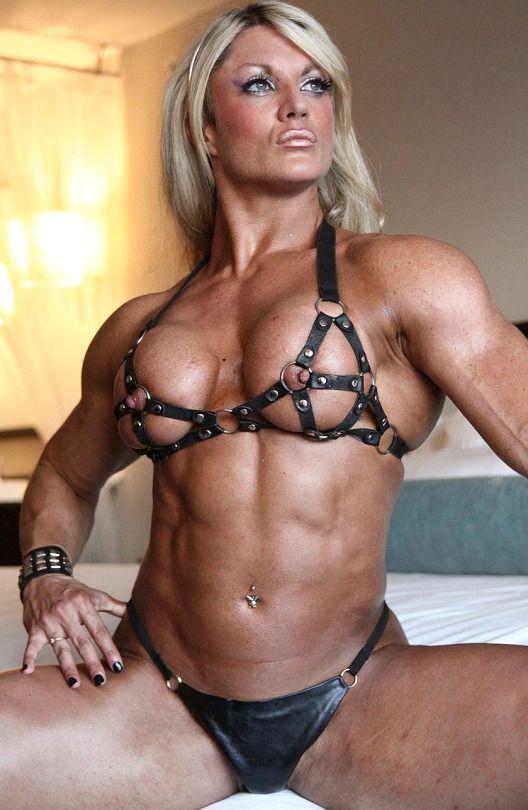 nude photos of lisa cross