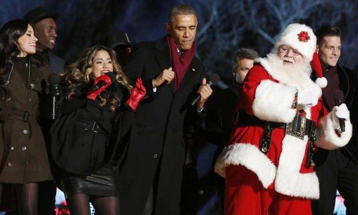 Obama dança com Papai Noel em cerimônia para acender as luzes da árvore de Natal   http://angorussia.com/noticias/mundo/obama-danca-com-papai-noel-em-cerimonia-para-acender-as-luzes-da-arvore-de-natal/