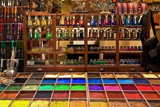 colours shop in venice