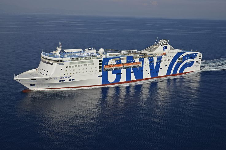 This is our #ship #LaSuprema with the #NEW #LIVERY: 211,50 metres #long - 49.257 gross #tonnage – 2.920 #passengers-984 #vehicles - 37 #suites - 567 #cabins & 4 disabled cabins. Read more in #GNVwebsite: http://www.gnv.it/it/gnv/flotta-gnv/la-suprema.html