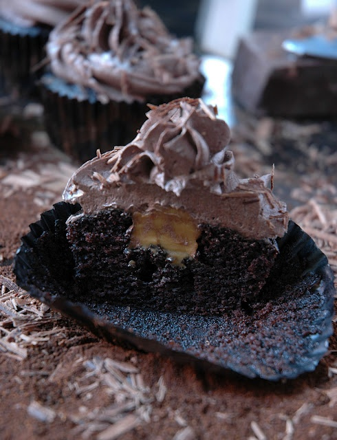 Chocolate - Cupcakes in two delectable ways - Amarula and Caramel! | My easy cooking by Nina Timm.