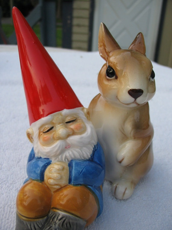 Vintage too cute unieboek gnome and rabbit salt and pepper for Combat gnomes for sale