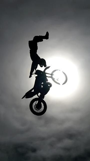 Download Bike Stunt Wallpaper : mobimalt.com