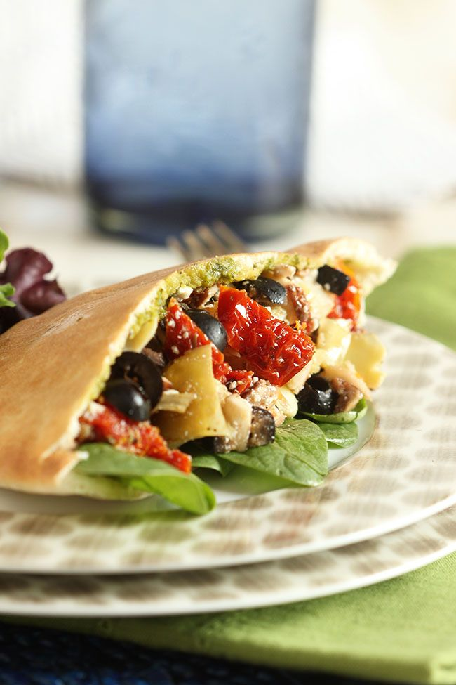 Packed with Mediterranean flavor, this veggie sandwich is heart healthy and filling. Perfect for on-the-go lunches! | The Suburban Soapbox #calolivesmedrecipe #ad