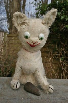 OLD VINTAGE ANTIQUE EINCO GOOGLY EYES WHITE MOHAIR CAT 1910-15 -- Excited cat is really excited!