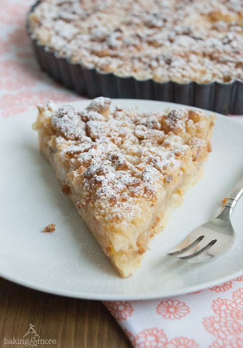 Apfel-Vanille-Tarte mit Marzipanstreuseln                                                                                                                                                      More (Sweet Recipes Apple)