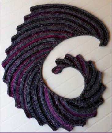 Famous Hitch-Hiker Knit shawl [Free Pattern]