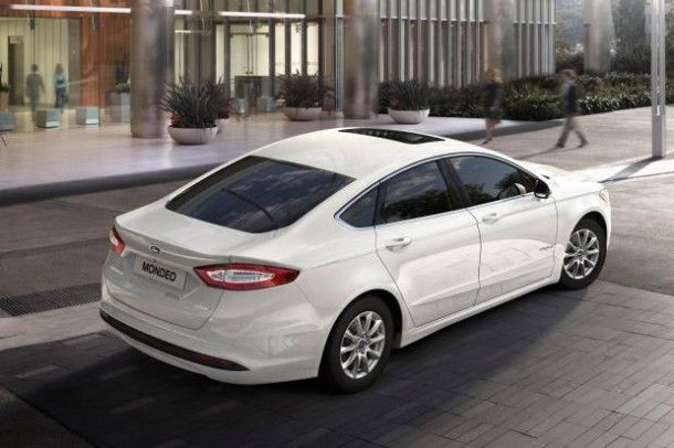 2016 Ford Mondeo rear