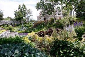 """La Seigneurie de l'Île d'Orleans  Québec, Canada   (Une """"fausse"""" seigneurie lucrative contemporaire)"""