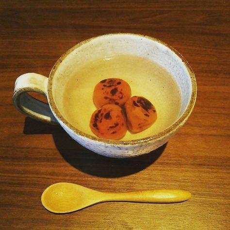 Atu.: 梅干し湯の前に、絶食。そしてそのあとのお腹のお掃除を考えると、結構過酷。 梅干し湯だけで、なんて甘い話じゃないんだ。 デトックスに効果的!「梅湯流し」の方法って? - macaroni