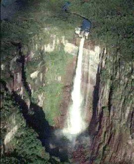 Водопад Анхель с высоты птичьего полета
