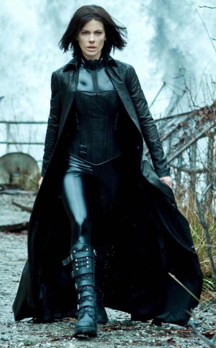 Womens Broad collar style black leather trench Underworld Coat taken from movie Underworld Awakening - Shop confidently today