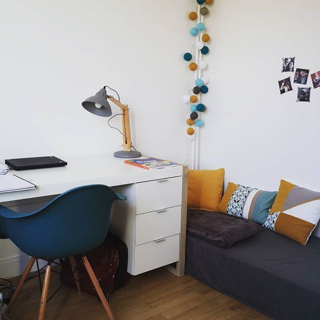 A Dozen Home Workspaces: Guirlande La Case De Cousin Paul