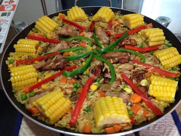 Essa receita de galinhada é perfeita! Uma mistura deliciosa de ingredientes e temperos que dão um sabor maravilhoso! Experimente! INGREDIENTES: 04 DENTES D