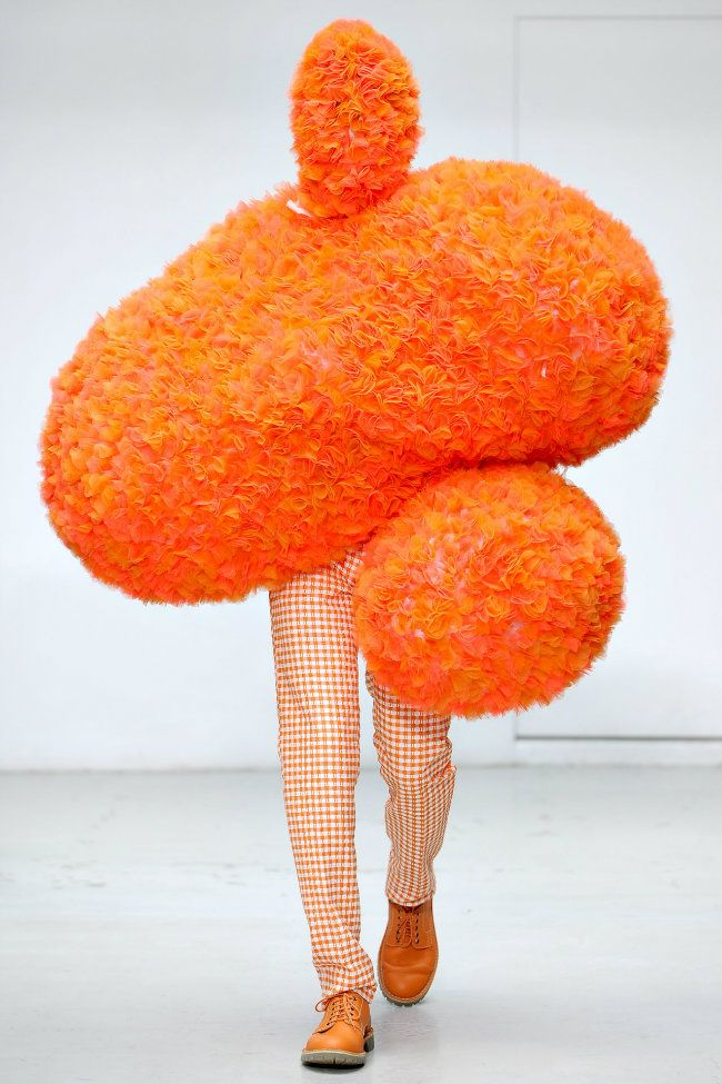 "Walter van Beirendonck - Spring/Summer 2012 - For his Spring/Summer 2012, Walter van Beirendonck collection, the Belgian designer has rocketed to ""Cloud 9"" with Austrian sculptor Erwin Wurm, collaborating on a playful series called ""Performative Sculptures"". The walking costumes are tutu-tulle heifers, candy-floss abstractions given an inherent jolliness by virtue of their portly proportions.freak out couture fashion you wouldn't want to meet in a dark alley"