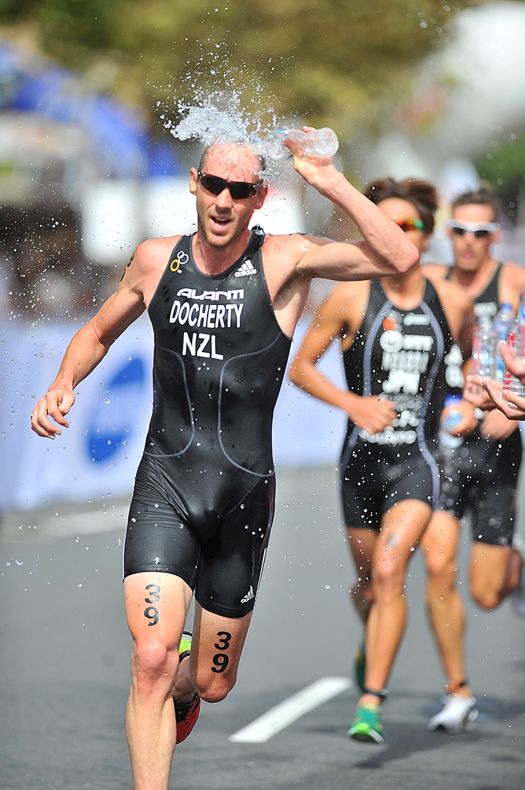 Bevan Docherty cools down during a race. Photo copyright Delly Carr