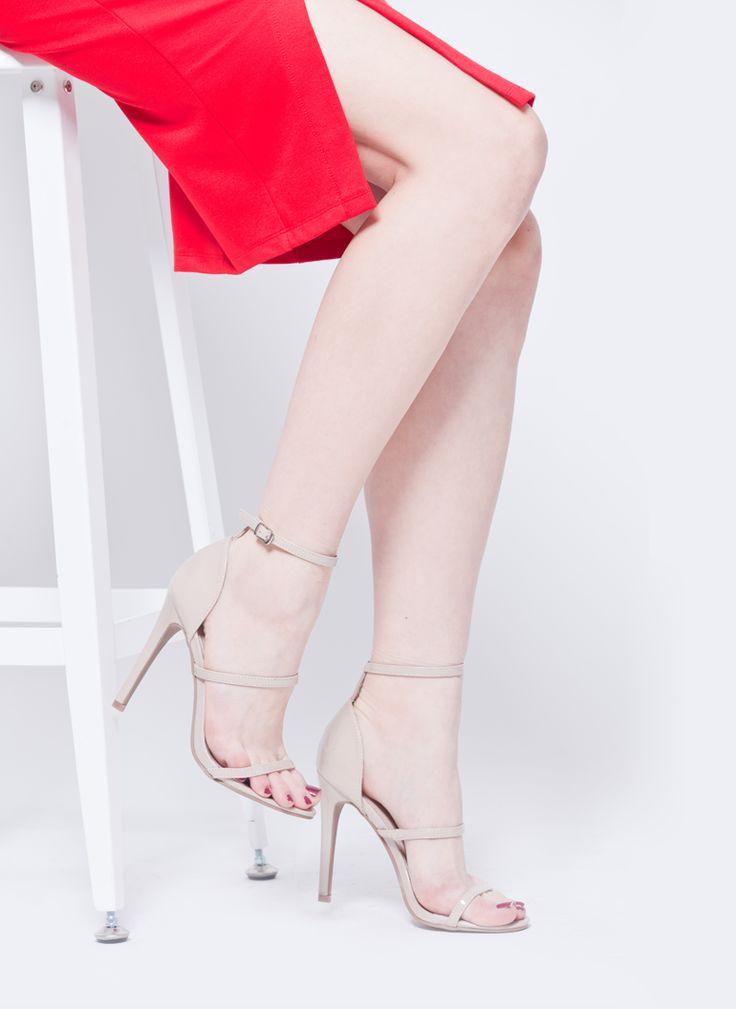 SZPILKI SANDAŁY LAKIEROWANE PASKI BEŻOWE NUDE I  MONASHE.PL - Sklep online z modną odzieżą. Bluzki, sukienki, torebki, obuwie, akcesoria.