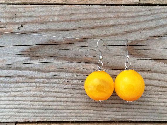 orecchini perle in vetro soffiato a mano gialle by amabito #italiasmartteam #etsy