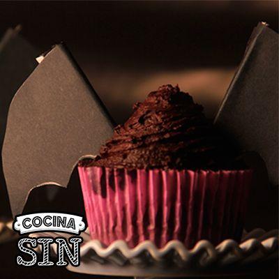 ¿Quieres aprender a hacer cupcakes para Halloween? Entra en Cocina Sin y hazlos tú mismo paso a paso.