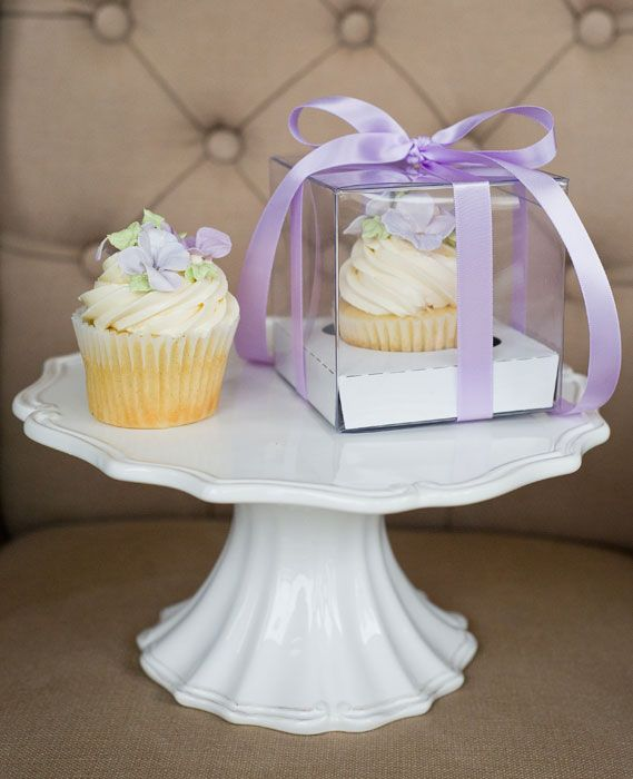 Cupcake Favour | onefabday.com Top 10 Wedding Favours