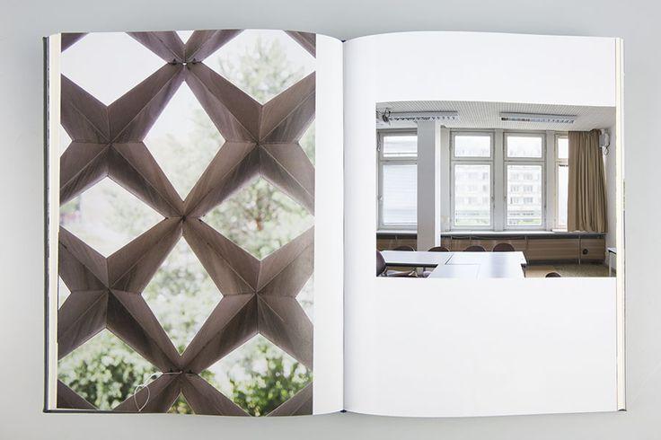 """Das Buch """"Architekturen des Gebrauchs"""" erzählt sechs spezifische Geschichten von öffentlichen Gebäuden der Sechziger- und Siebzigerjahre im Osten und Westen Deutschlands. Dina und Christopher sind auf Erkundungstour gegangen und haben fotografiert, recherchiert, mit Nutzern, Architekten und unabhängigen Experten gesprochen und ein Buch daraus gemacht! Hier könnt ihr euch ein Exemplar sichern und den Druck damit ermöglichen…"""
