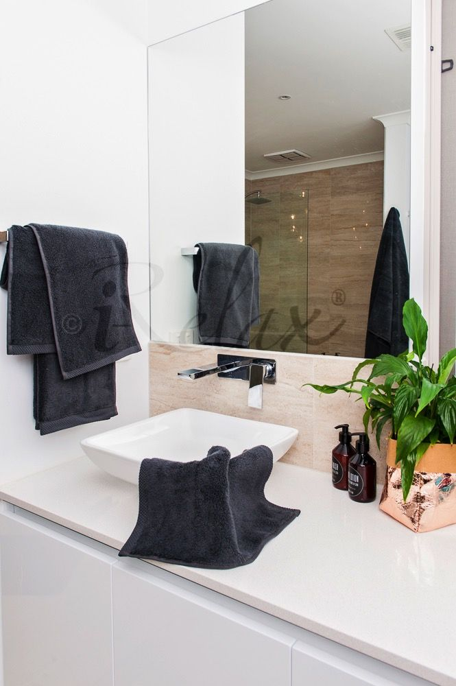 Charcoal Ultra Fine Cotton Towels #UltraFineCotton #BespokeBathSet #PerfectGift #ForHer #ForHim #LuxuryTowels #MadeInTurkey