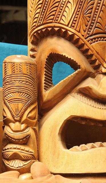 Tonga - Wooden mask