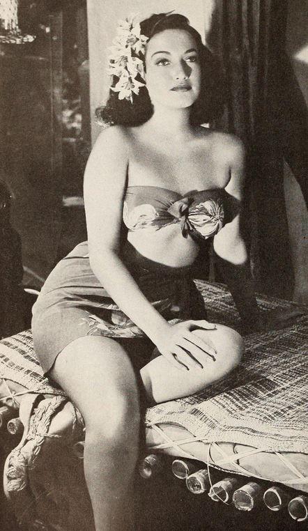 Dorothy Lamour island hawaii sarong bandeau top skirt floral 40s pin up war era