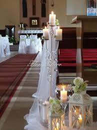 Świece najbardziej efektowną dekoracją w kościele