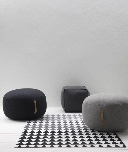 Sittpuff med läderhandtag | HUBSCH | Reforma Sthlm