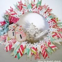 Fun wreath idea... could do any season depending on paper and embellishments