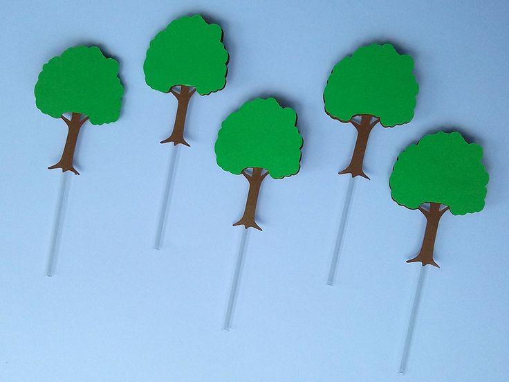 Lindos toppers árvore para decorar a floresta onde a Chapeuzinho Vermelho passa levando doces para a vovozinha. Festa Chapeuzinho Vermelho, Festa Safári, Festa na Floresta, Festa Snoopy.