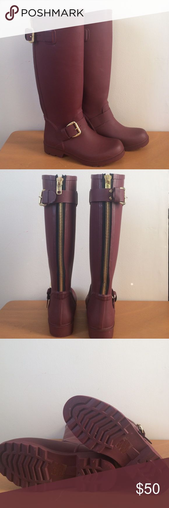 Steve Madden Rain Boots Burgundy rain boots ... The right boot has a little scratch, other than that the boots are in excellent condition ! The price is negociable! Steve Madden Shoes Winter & Rain Boots