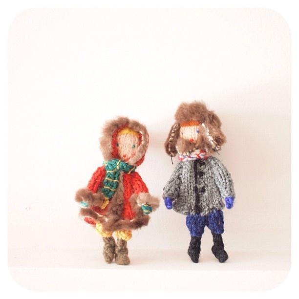 ターニャの指人形、一番のお気に入りは、ジェーバチカとマーレチク。 My favorite finger puppets made by Tanya in Russia. Девочка и мальчик. - @iokamiho- #webstagram
